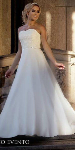 bianco-evento-trouwjurken-bruidsmode-apeldoorn-bruidsboetiek-de-blauwe-hoeve