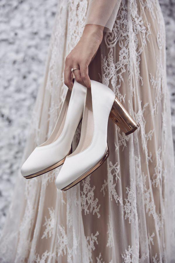 rainbow-shoes-clair-trouwschoenen-ivoor-hakschoenen-rose-gold-pumps-bruidsboetiek-de-blauwe-hoeve-apeldoorn