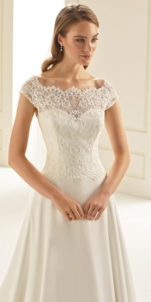 bianco-evento-arizona-alijn-trouwjurk-bruidsboetiek-de-blauwe-hoeve-bruidswinkel-apeldoorn