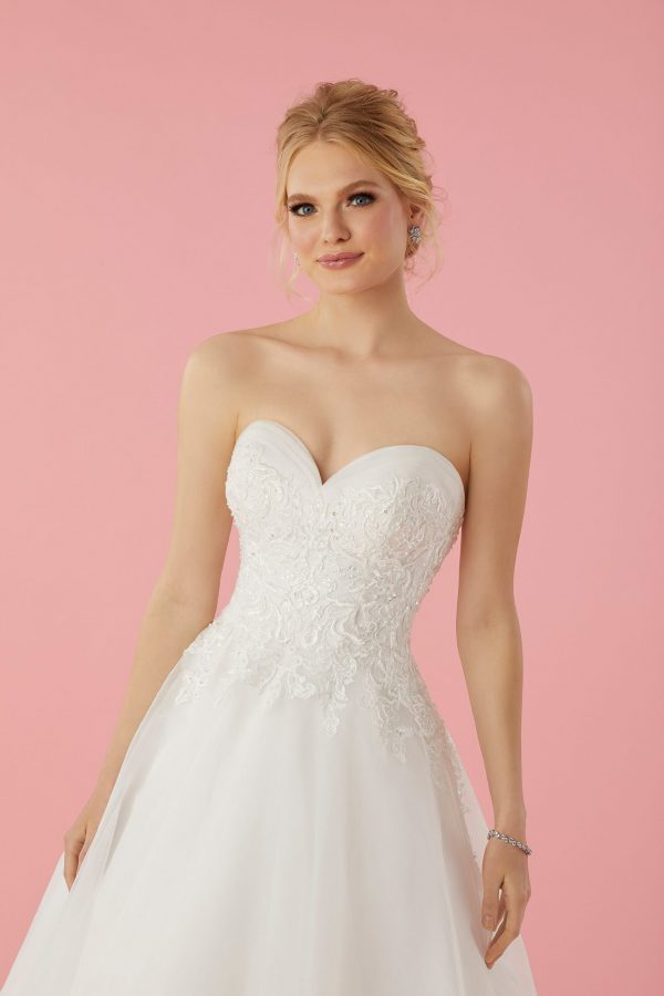 51765-sofia-bianca-trouwjurk-apeldoorn-bruidswinkel-bruidsmode-de-blauwe-hoeve-strapless-bruidsjurk