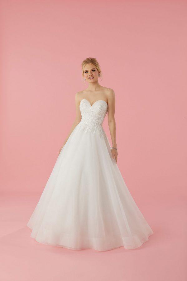 51765-sofia-bianca-trouwjurk-apeldoorn-bruidswinkel-bruidsmode-de-blauwe-hoeve-strapless-bruidsjurk-kanten-sleep