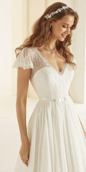CAROLINA-Bianco-Evento-kanten-trouwjurk-bruidswinkel-bruidsboetiek-de-blauwe-hoeve-apeldoorn