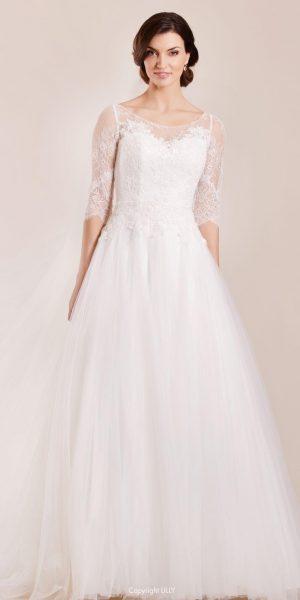 Lilly-08-4034-CR -trouwjurk-prinses-bruidsmode-apeldoorn-bruidswinkel-bruidsboetiek-de-blauwe-hoeve-lange-mouw-kant-