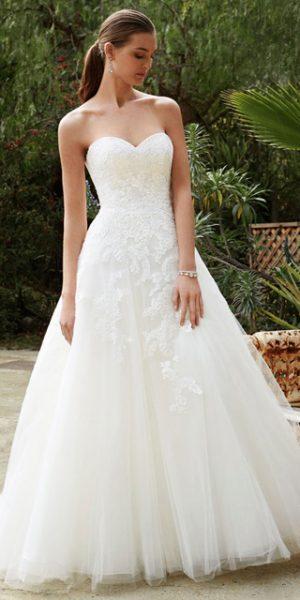 beautiful-by-enzoani-kanten-trouwjurk-strapless-sample-sale-bruidswinkel-bruidsboetiek-de-blauwe-hoeve-betaalbare-prinses-bruidsmode