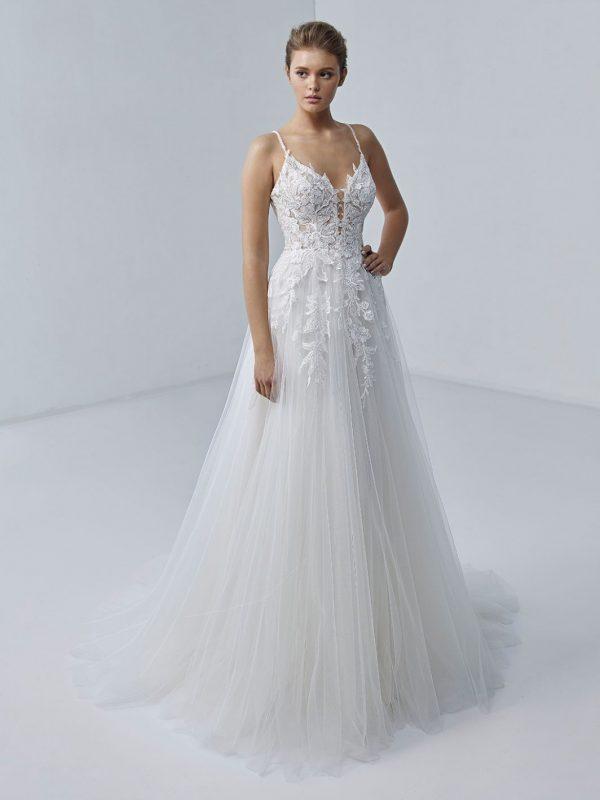 etoile-by-enzoani-joie-trouwjurk-prinses-bruidsmode-apeldoorn-bruidswinkel-bruidsboetiek-de-blauwe-hoeve-apeldoorn