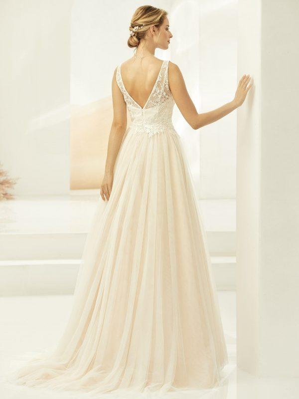 harper-bianco-evento-bruidsjurk-alijn-trouwjurk-betaalbare-bruidsmode-bruidsboetiek-de-blauwe-hoeve-apeldoorn