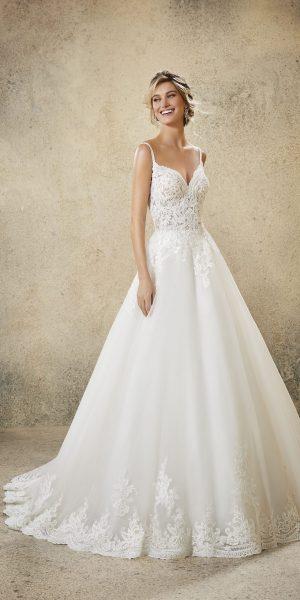 morilee-5761-rosmerta-trouwjurk-apeldoorn-bruidswinkel-bruidsboetiek-de-blauwe-hoeve-prinses-bruidsmode-kant
