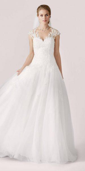 trouwjurk-Lilly 08-3913-CR-prinses-bruidsmode-apeldoorn-bruidsboetiek-de-blauwe-hoeve-bruidswinkel