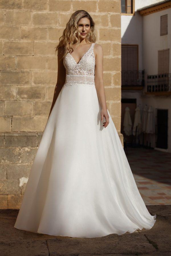 trouwjurk-adriana-jarice-prinses-bruidsmode-apeldoorn-bruidswinkel-bruidsboetiek-de-blauwe-hoeve