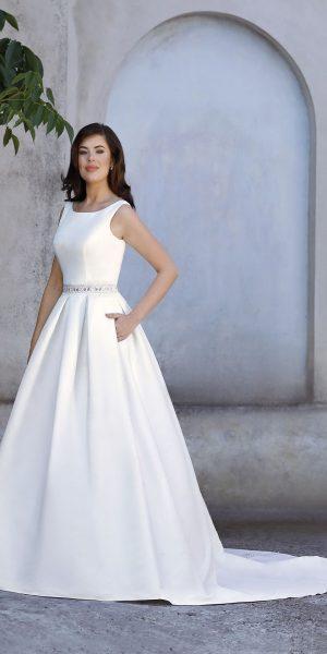 trouwjurk-amelie-20200TA-prinses-bruidsmode-apeldoorn-bruidswinkel-bruidsboetiek-de-blauwe-hoeve