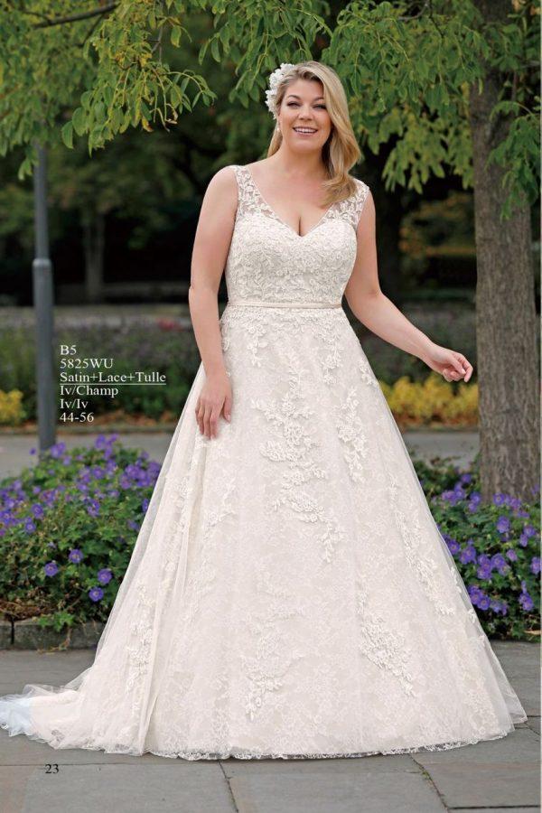 trouwjurk-amelie-plussize-5825WU-alijn-outlet-sample-sale-bruidswinkel-bruidsboetiek-de-blauwe-hoeve-prinses-bruidsmode