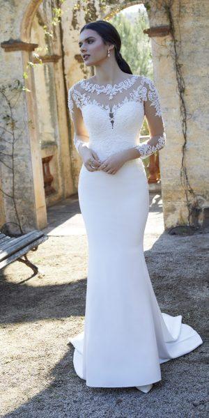 trouwjurk-victoria-jane-18453-WADIMIRA-bruidsmode-apeldoorn-bruidswinkel-bruidsboetiek-de-blauwe-hoeve-apeldoorn-kant-lange-mouw-