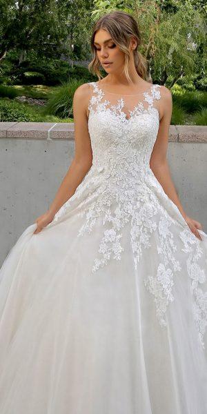 Enzoani-bt20-07-kanten-prinses-bruidsmode-trouwjurk-bruidswinkel-apeldoorn-bruidsboetiek-de-blauwe-hoeve