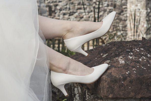 Brooke-bruiddschoenen-elsa-coloured-shoes-bruidswinkel-bruidsboetiek-de-blauwe-hoeve-apeldoorn-metallic-pump