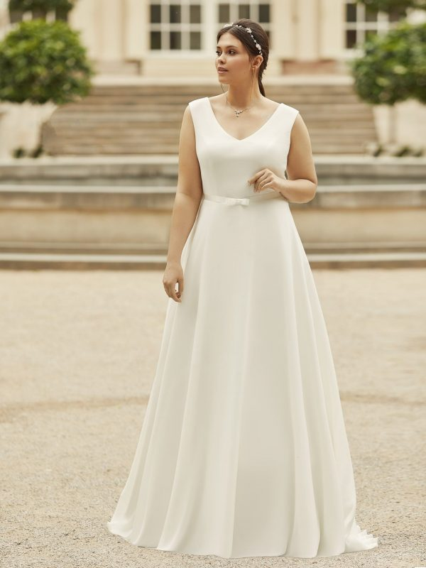 bianco-evento-dalia-trouwjurk-bruidswinkel-bruidsboetiek-de-blauwe-hoeve-apeldoorn-prinses-bruidsmode-satijn