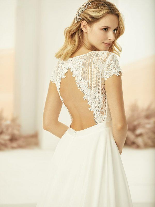 bianco-evento-drina-alijn-trouwjurk-bruidswinkel-bruidsboetiek-de-blauwe-hoeve-prinses-bruidsmode