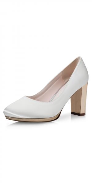 Clair-bruiddschoenen-elsa-coloured-shoes-bruidsboetiek-de-blauwe-hoeve-apeldoorn-bruidswinkel-pump