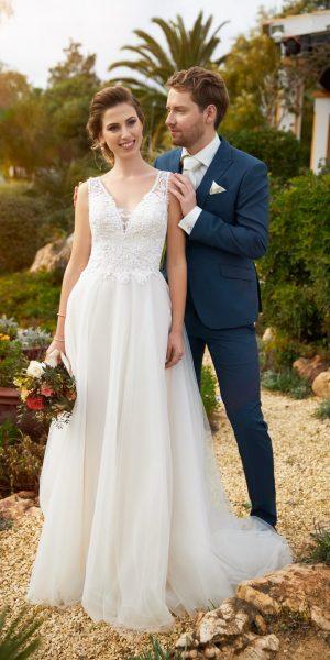 trouwjurk-tres-chic-Jessie-K-21118-prinses-bruidsmode-bruidswinkel-apeldoorn-bruidsboetiek-de-blauwe-hoeve