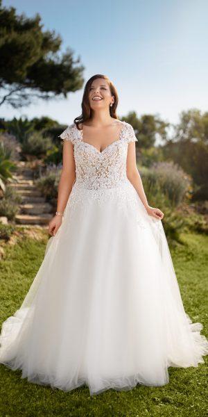 tule-trouwjurk-tres-chic-Miss-Emely-21320-prinses-bruidsmode-bruidsboetiek-de-blauwe-hoeve-bruidswinkel-apeldoorn