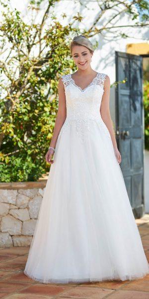 MTL-1101-bruidsboetiek-de-blauwe-hoeve-bruidswinkel-apeldoorn-sale-trouwjurk-prinses-bruidsmode-tule