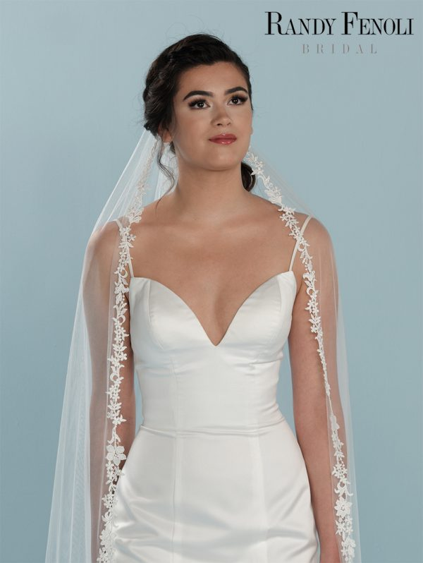 sluier-poirier-randy-fenoli-kanten-tule-accessoires-bruidsboetiek-de-blauwe-hoeve-bruidswinkel-apeldoorn-gelderland