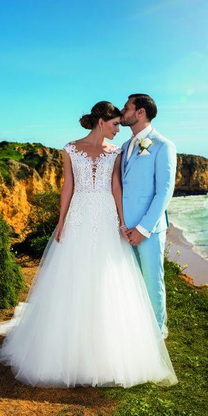 trouwjurk-tres-chic-bruidsboetiek-de-blauwe-hoeve-bruidswinkel-apeldoorn-bruidsmode-prinses-kant