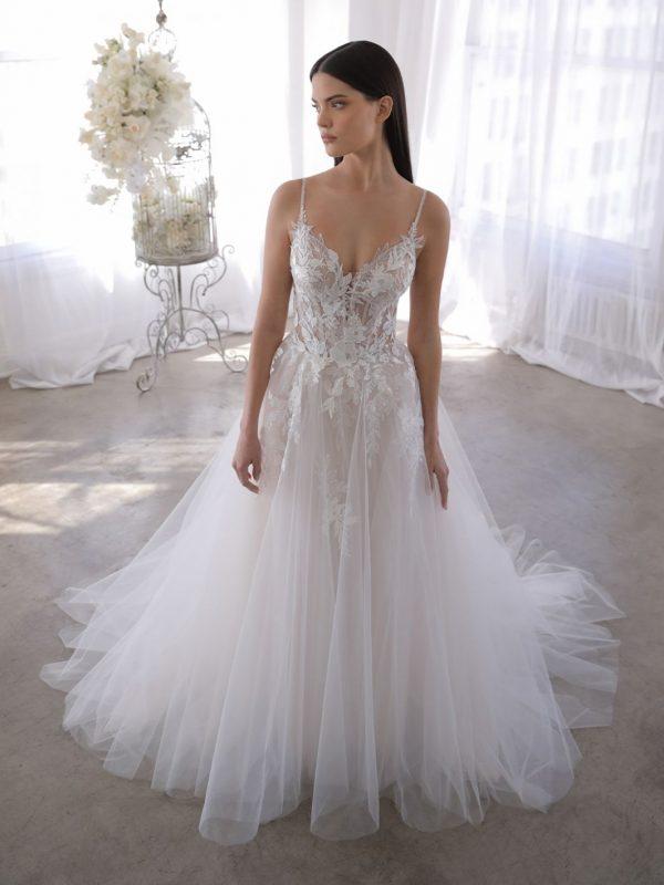 Blue_22_Pro_Olessa-bruidswinkel-apeldoorn-trouwjurk-bruidsboetiek-de-blauwe-hoeve-prinses-bruidsmode