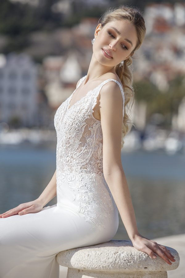 Fancy-jarice-trouwjurk-bruidsboetiek-de-blauwe-hoeve-bruidswinkel-apeldoorn-betaalbaar-goedkoop