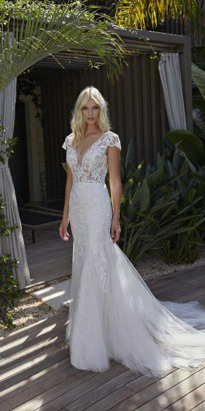 modeca-2022-natasha-bruidsboetiek-de-blauwe-hoeve-bruidsmode-apeldoorn-bruidswinkel-gelderland-kanten-trouwjurk