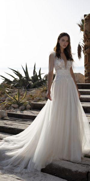 modeca-papillon-2022-trouwjurk-bruidsboetiek-de-blauwe-hoeve-bruidsmode-apeldoorn-glitter-kant-boho-bruidsjurk