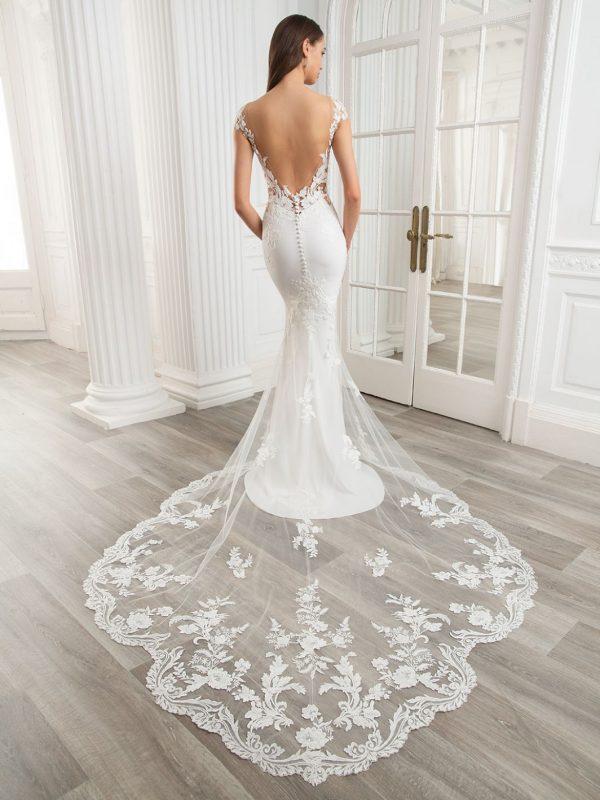 etoile-enzoani-audrey-bruidsboetiek-de-blauwe-hoeve-trouwjurk-apeldoorn-kanten-bruidsjurk-prinses-bruidsmode
