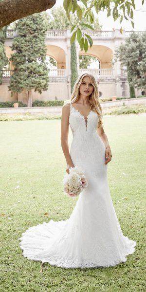 ronald-joyce-69602-trouwjurk-bruidsboetiek-de-blauwe-hoeve-bruidswinkel-apeldoorn-kanten-trouwjurk-nauwsluitend