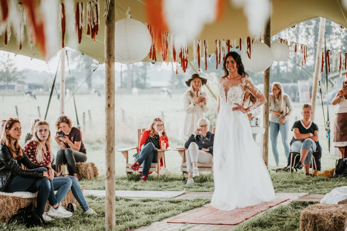 bruidsfestival-trouwjurken-festival-bruidsjurk-trouwen-boho-bruidsmode-apeldoorn-bruidswinkel