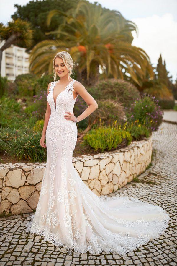 trouwjurk-bruidsboetiek-de-blauwe-hoeve-bruidswinkel-apeldoorn-made-to-love-by-tres-chic-boho-bruidsjurk-romantisch