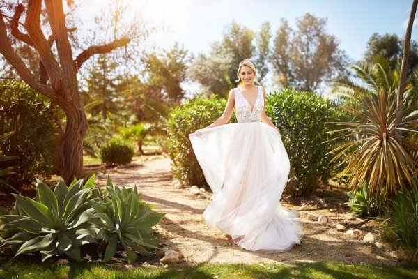 rouwjurk-bruidsboetiek-de-blauwe-hoeve-bruidswinkel-apeldoorn-made-to-love-tres-chic-boho-romantische-bruidsjurk