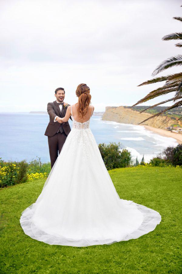 -trouwjurk-bruidsboetiek-de-blauwe-hoeve-bruidswinkel-apeldoorn-prinses-romantische-bruidsjurk-tres-chic