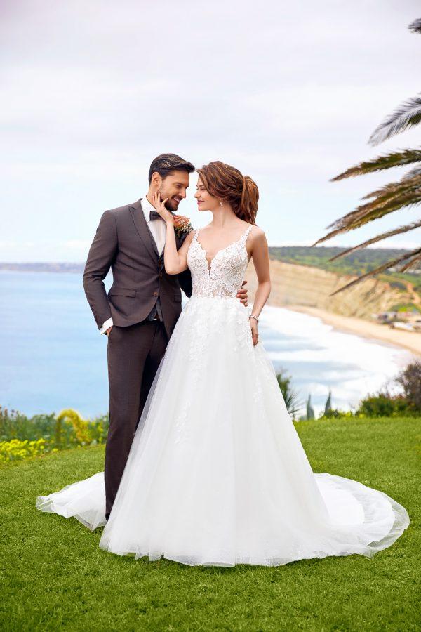 -trouwjurk-bruidsboetiek-de-blauwe-hoeve-bruidswinkel-apeldoorn-prinses-romantische-bruidsjurk-