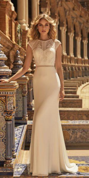 Bianco-Evento-Denise-bruidsboetiek-de-blauwe-hoeve-bruidswinkel-apeldoorn-romantisch-soepelvallend