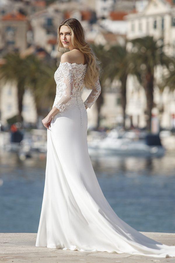 Feline-jarice-trouwjurk-apeldoorn-bruidswinkel-bruidsboetiek-de-blauwe-hoeve-romantisch