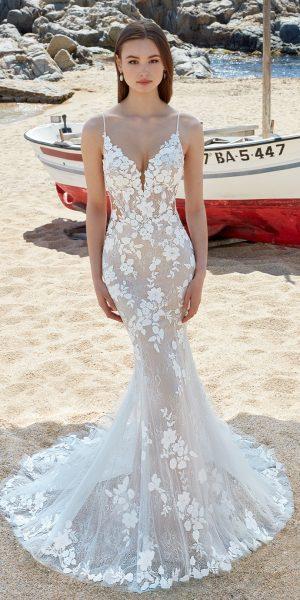 love-by-enzoani-alara-kanten-trouwjurk-romantisch-bruidsboetiek-de-blauwe-hoeve-bruidswinkel-apeldoorn-prinses