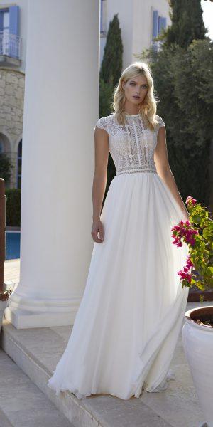 Modeca_2022_Nilou_bruidsboetiek-de-blauwe-hoeve-bruidswinkel-apeldoorn-alijn-boho