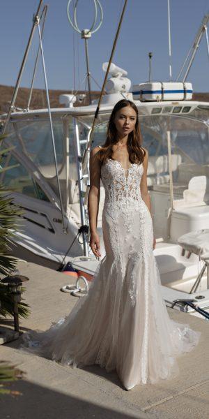 bruidsboetiek-de-blauwe-hoeve-bruidswinkel-apeldoorn-trouwjurk-kanten-modeca-ombre-prinses-romantische
