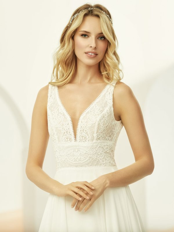 bianco-evento-vivienne-alijn-trouwjurk-bruidsboetiek-de-blauwe-hoeve-bruidswinkel-apeldoorn-alijn-romantisch